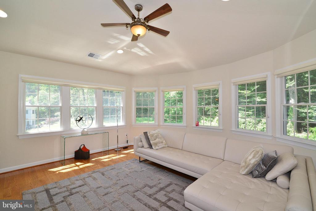 Master Sitting Room - 6917 CHERRY LN, ANNANDALE