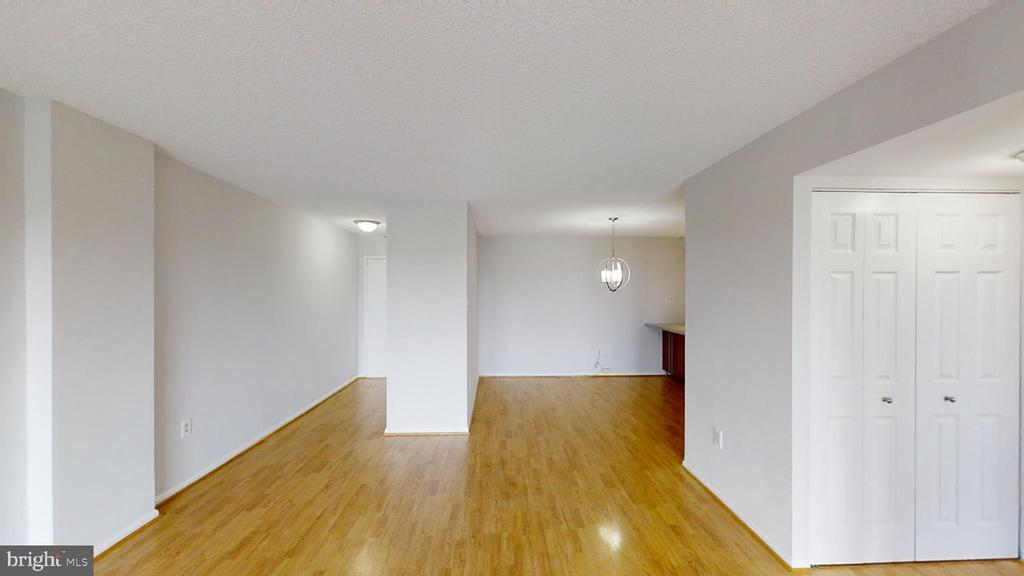 View into hallway from living room - 1300 ARMY NAVY DR #907, ARLINGTON