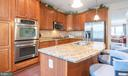 Upgraded cherry cabinets and SS appliances - 19441 COPPERMINE SQ, LEESBURG
