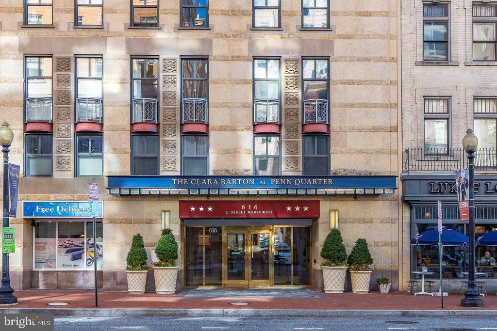 The Highly-Sought After Clara Barton Condominium - 616 E ST NW #1201, WASHINGTON