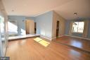 Open floor plan between living and dining room - 404 GREEAR PL, HERNDON