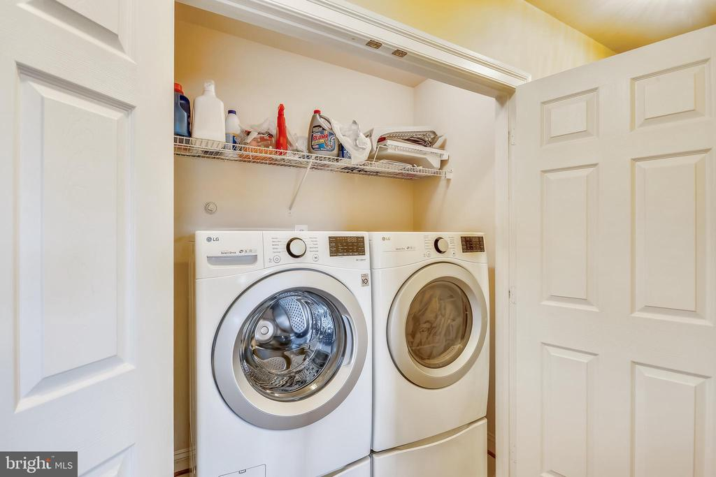 Laundry closet is on the third level bedroom area - 9704 WOODFIELD CT, NEW MARKET
