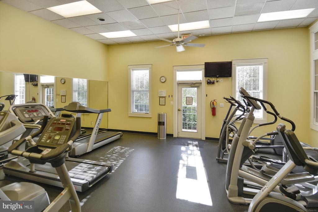 Community Fitness Center - 6933 CUMBERSTONE PL, GAINESVILLE