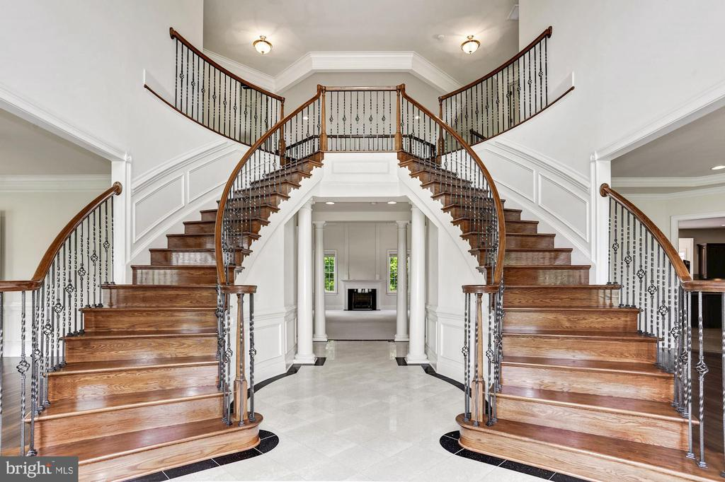 Dual Curved Stair &  Extended Foyer - 4962 VALLEY VIEW OVERLOOK, ELLICOTT CITY