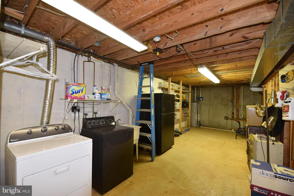 Basement laundry/storage - 720 DONALDSON LN SW, LEESBURG