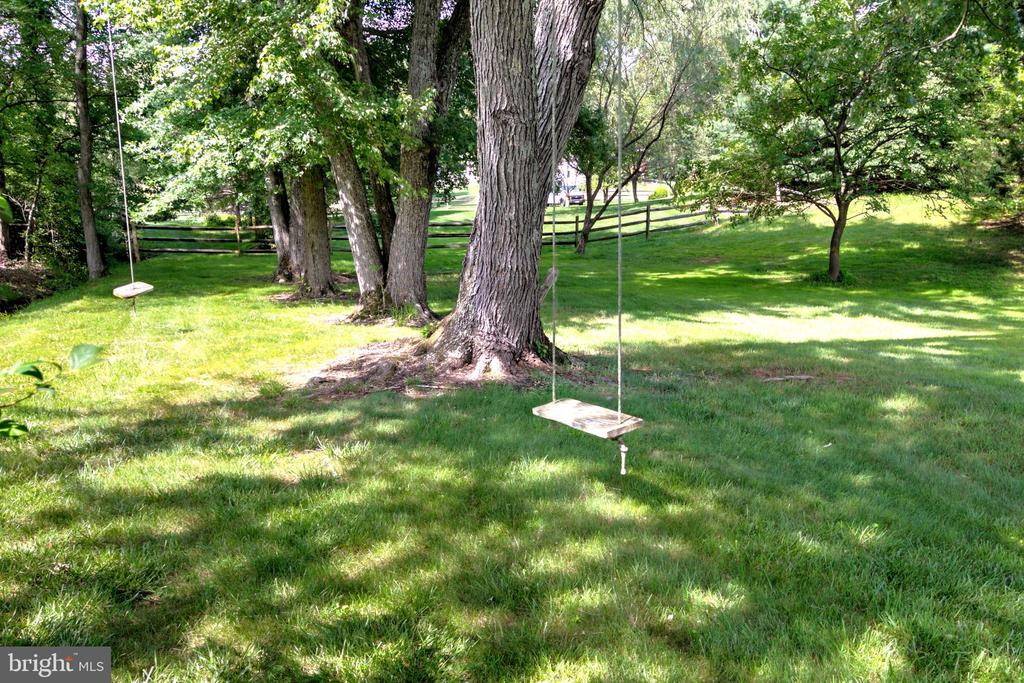 Tree Swings Beckon! - 1125 CLINCH RD, HERNDON
