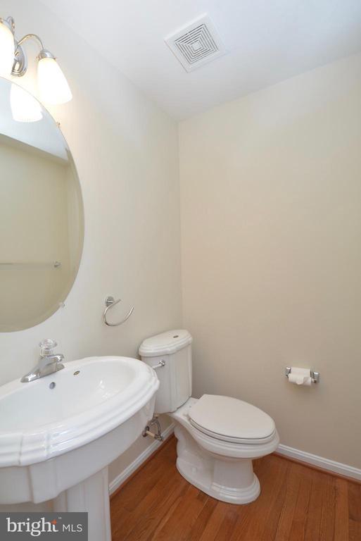 Powder Room with Wood Floor - 5221 PAINTED TURTLE WAY, WOODBRIDGE