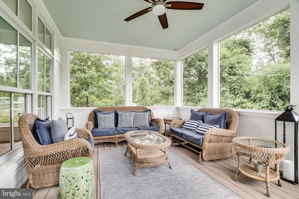 Lovely screened porch overlooks yard/trees - 6221 ARKENDALE RD, ALEXANDRIA