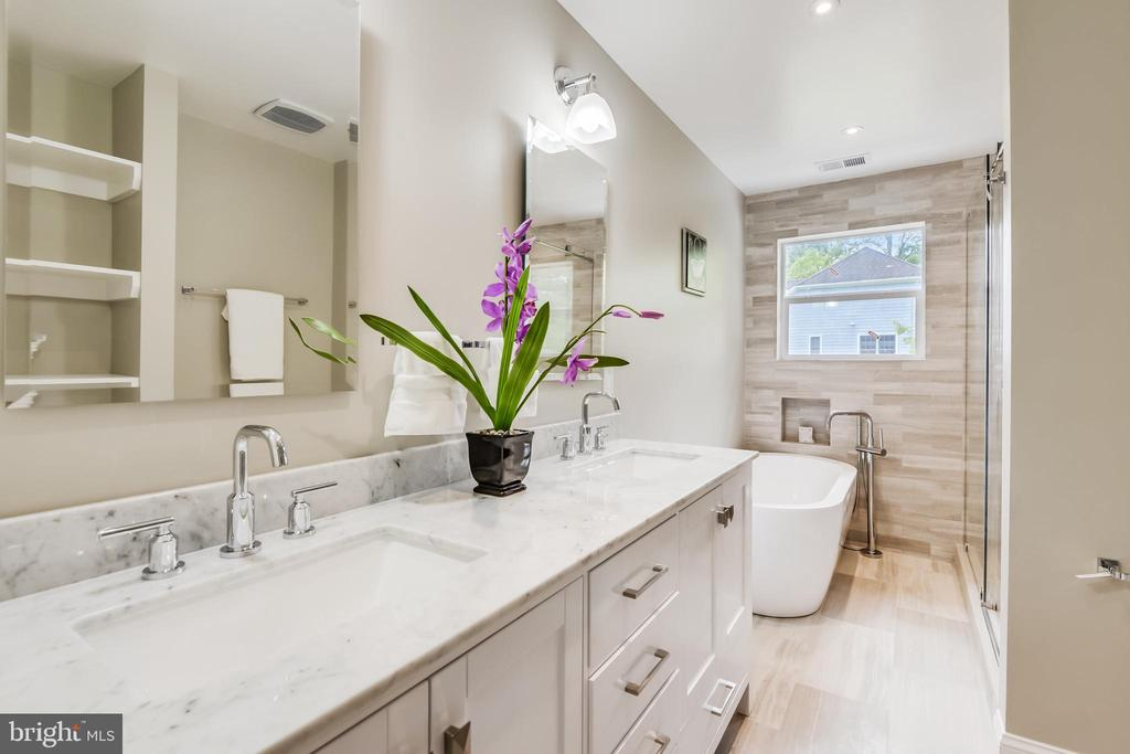 Owner Suite Bathroom - 9000 2ND AVE, SILVER SPRING