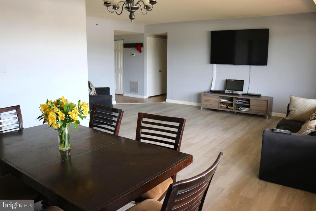 Open Concept Combo - 3709 S GEORGE MASON DR #210, FALLS CHURCH
