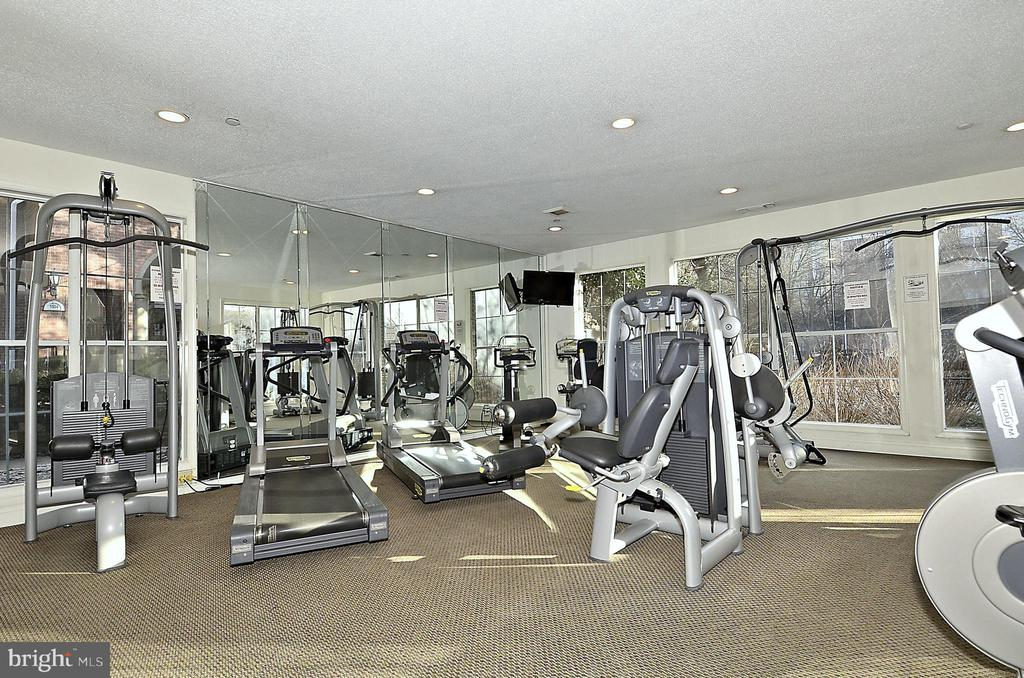 Fountains of McLean Fitness Center - 1504 LINCOLN WAY #404, MCLEAN