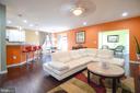 Family room off eat in kitchen - 43217 BARNSTEAD DR, ASHBURN