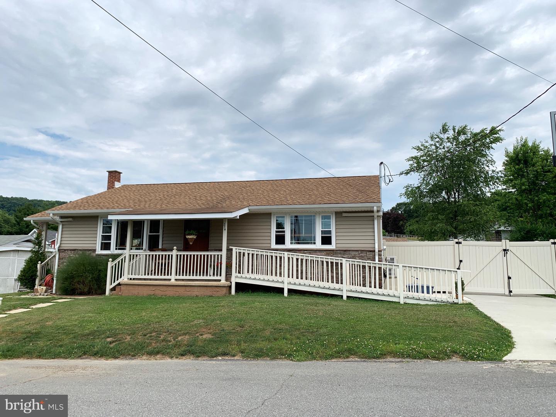 Single Family Homes per Vendita alle ore Brockton, Pensilvania 17925 Stati Uniti