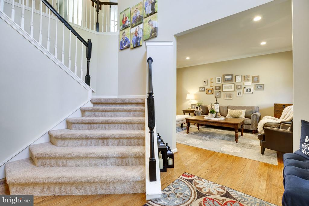Open foyer - 26062 SARAZEN DR, CHANTILLY