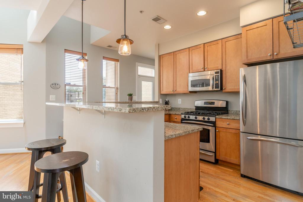 Kitchen View - 600 KENTUCKY AVE SE #B, WASHINGTON