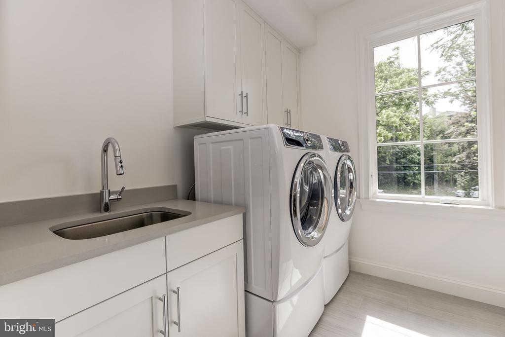 Laundry Room - 3010 UNIVERSITY TER NW, WASHINGTON