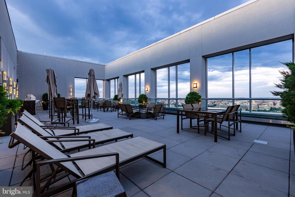 Enjoy quiet evenings on the rooftop - 1111 19TH ST N #2606, ARLINGTON