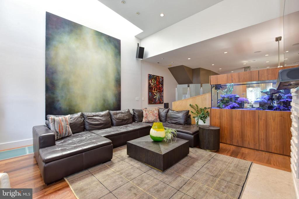 An Art-Lovers Dream with expansive walls and light - 1744 WILLARD ST NW, WASHINGTON