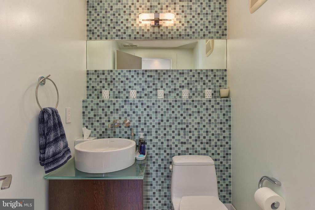 Half Bath / Powder Room - 1744 WILLARD ST NW, WASHINGTON