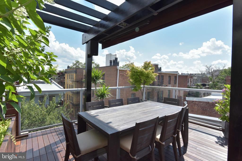 Separate Dining Space on Roof Terrace - 1744 WILLARD ST NW, WASHINGTON