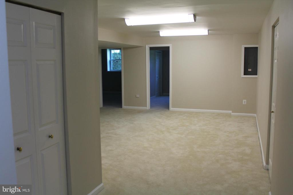 2 Out of 3 Bedrooms on the Lower Level - 4800 N HILL DR, FAIRFAX