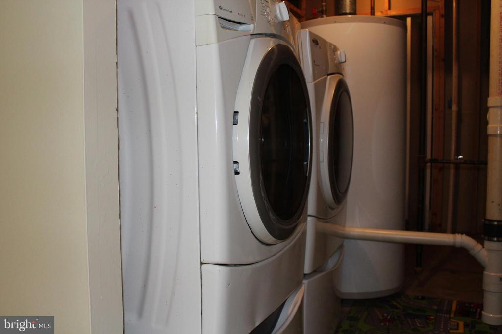 2nd Laundry Room - 4800 N HILL DR, FAIRFAX