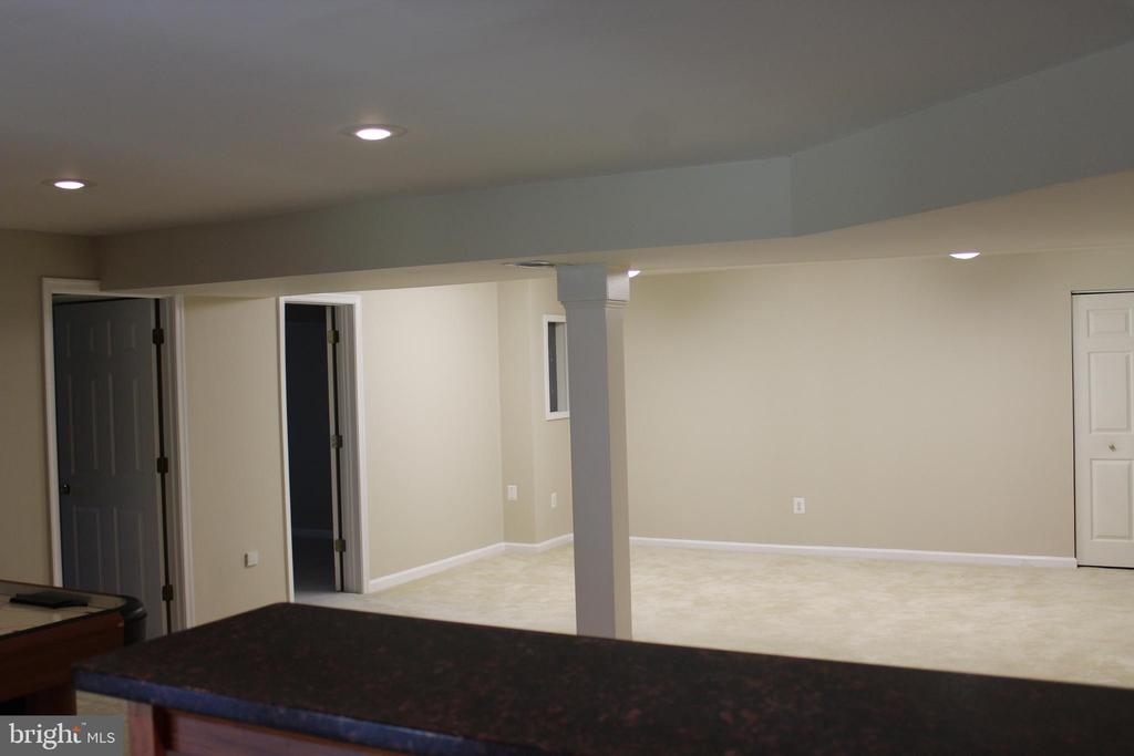The View From Behind the Wet Bar - 4800 N HILL DR, FAIRFAX