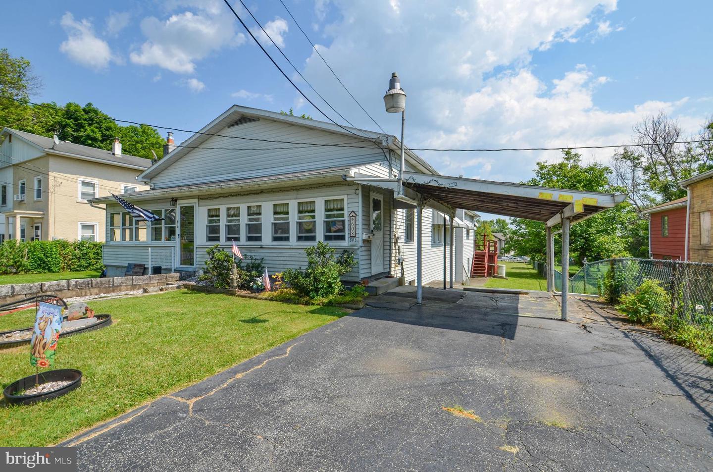 Single Family Homes のために 売買 アット Bath, ペンシルベニア 18014 アメリカ