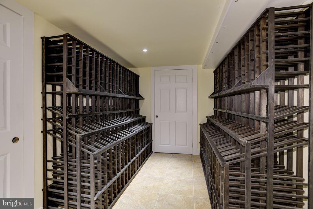 Wine Cellar - 4512 DOLPHIN LN, ALEXANDRIA
