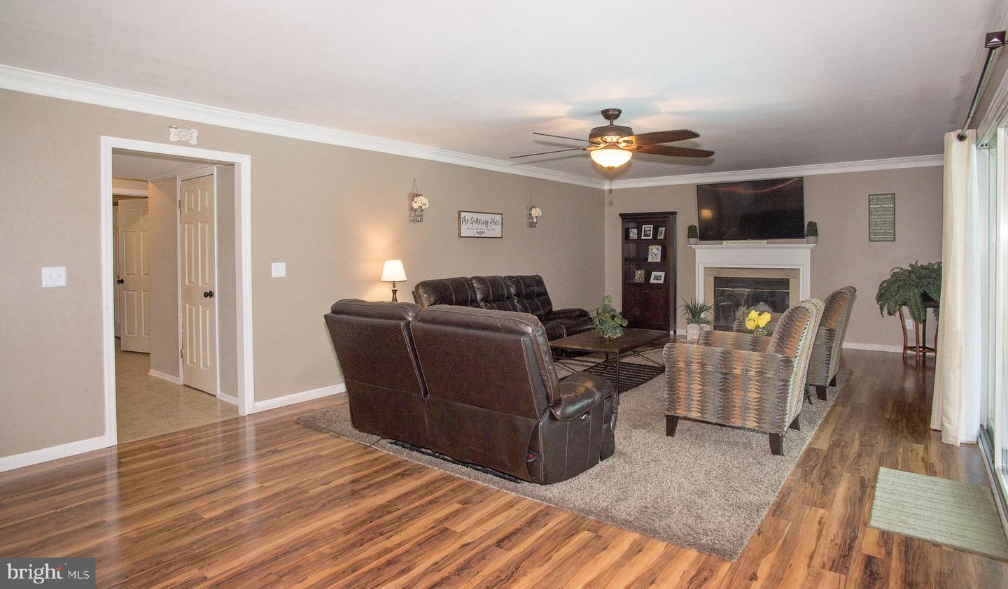 Additional photo for property listing at  Hamilton, New Jersey 08690 United States