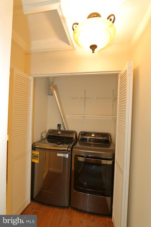 LG luxury Washer and Dryer - 13619 ORCHARD DR, CLIFTON