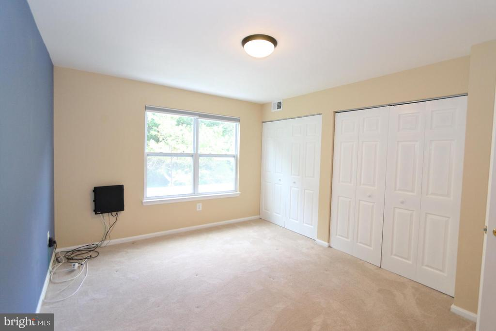 Owner's Bedroom - 13619 ORCHARD DR, CLIFTON
