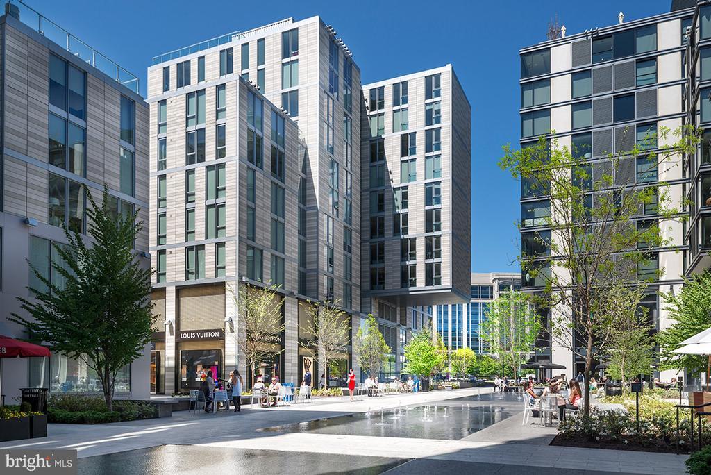 City Center DC - Luxury shopping and dining! - 400 MASSACHUSETTS AVE NW #604, WASHINGTON