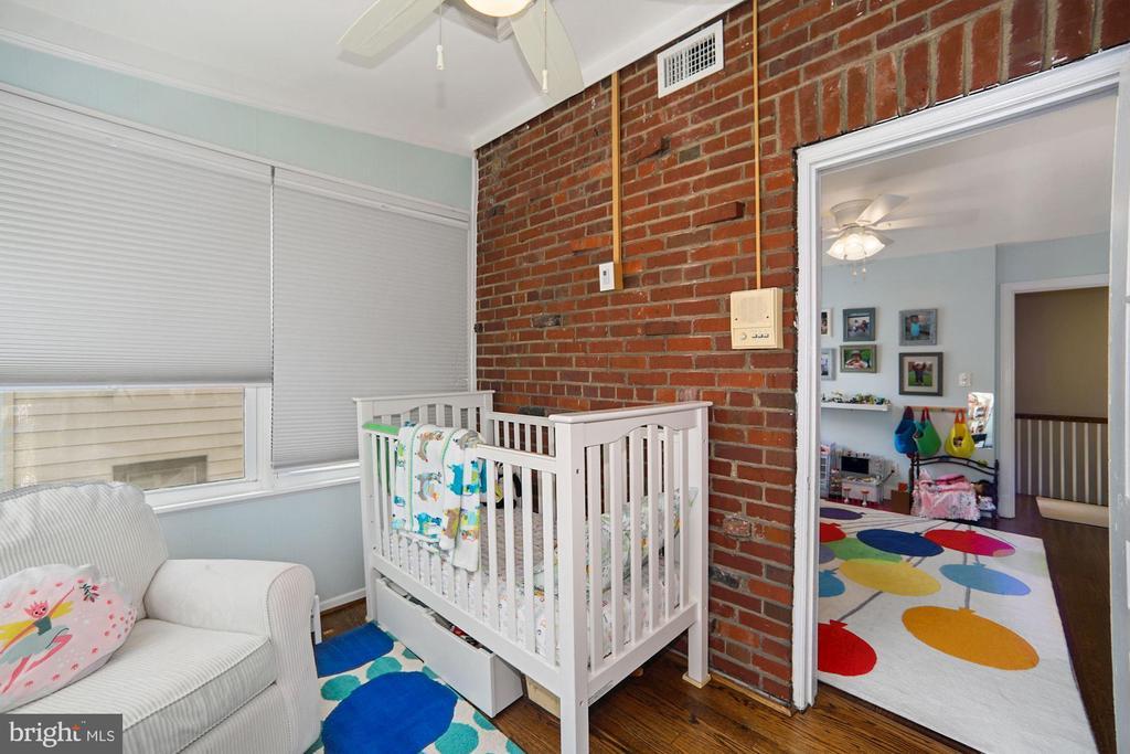 Sunroom used as bedroom #4 - 520 ONEIDA PL NW, WASHINGTON