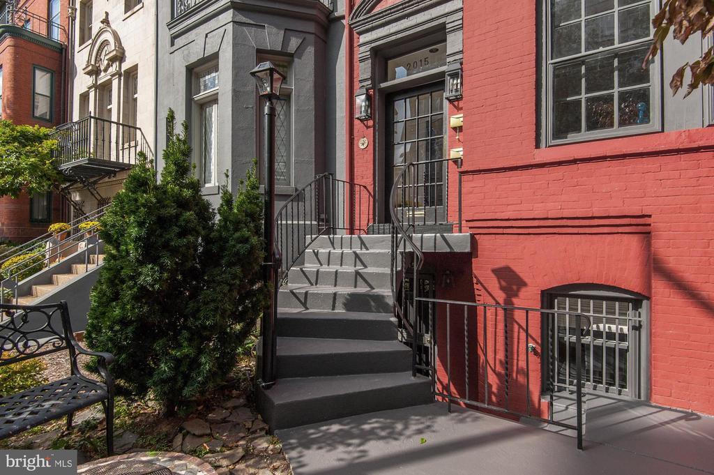 Garden Level Exterior - 2015 Q ST NW, WASHINGTON