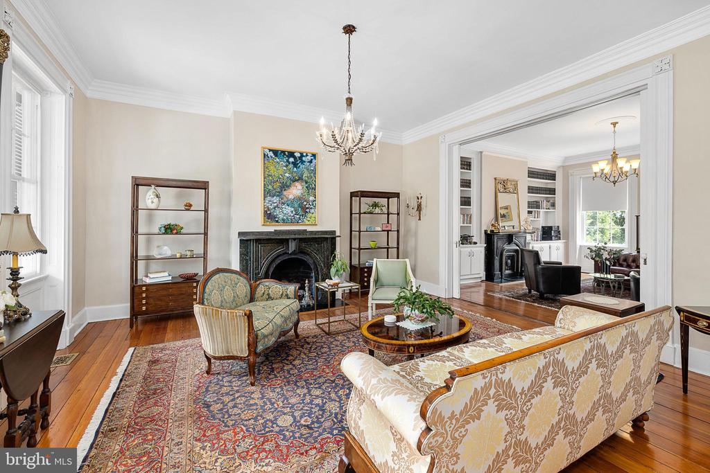 Double  parlor with large pocket  doors between - 406 HANOVER ST, FREDERICKSBURG