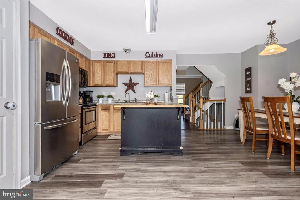 Kitchen/Dining - 211 RIDGE VIEW LN, HANOVER