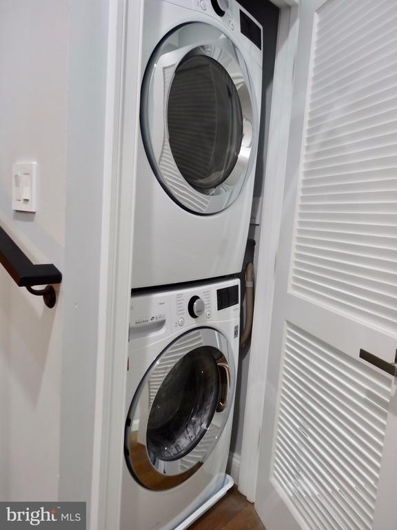Washer/Dryer on second level - 50 BRYANT ST NW, WASHINGTON