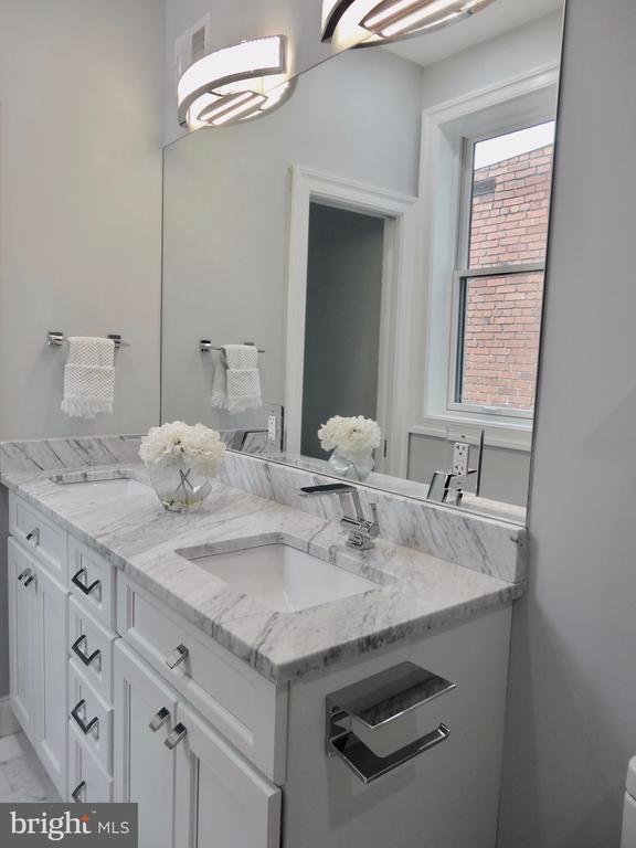 Marble countertop - 50 BRYANT ST NW, WASHINGTON