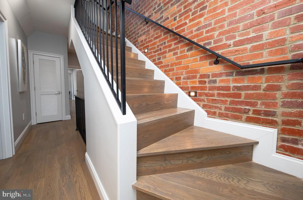Stairwell from 2nd level to 3rd level - 50 BRYANT ST NW, WASHINGTON