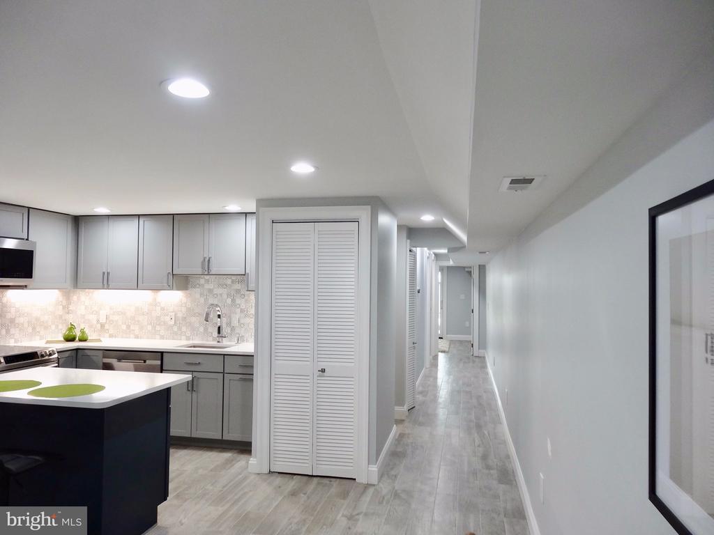 Kitchen and corridor - 50 BRYANT ST NW, WASHINGTON