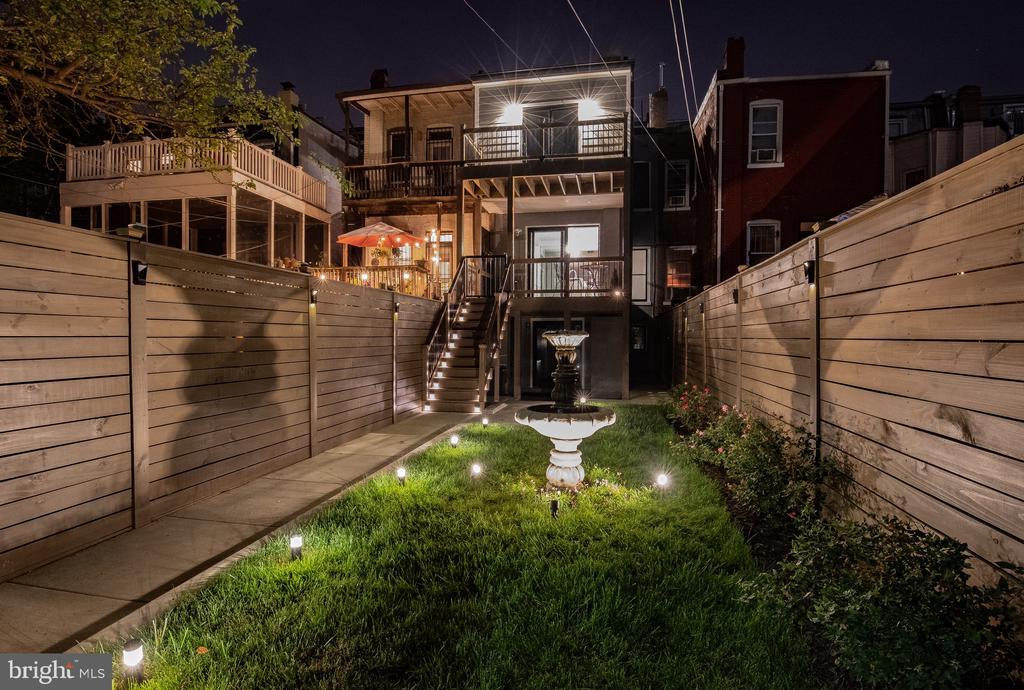 Backyard night ambiance for entertaining - 50 BRYANT ST NW, WASHINGTON