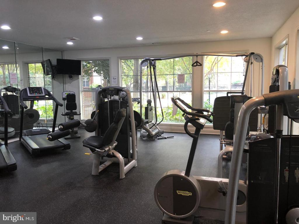 exercise room - 1535 LINCOLN WAY #301, MCLEAN