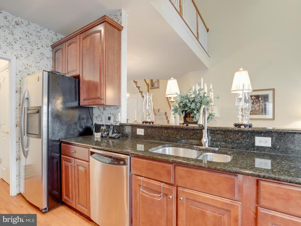 Stainless Appliances - 8853 WARM GRANITE DR #35, COLUMBIA