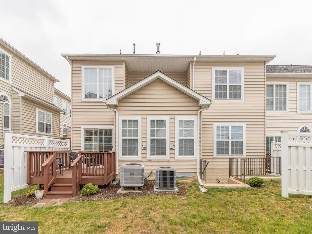 Back of Home - 8853 WARM GRANITE DR #35, COLUMBIA