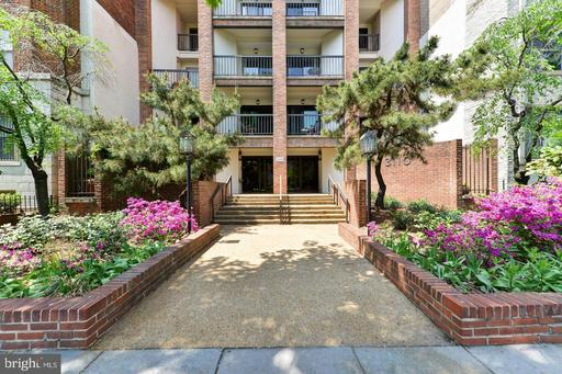 3110 WISCONSIN AVE NW #104