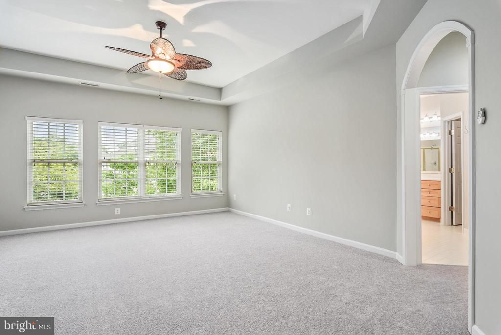 Welcome to the Master Suite! - 43620 CARRADOC FARM TER, LEESBURG