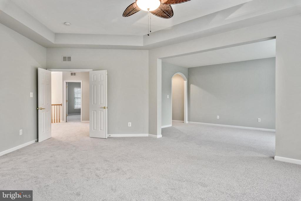 Master Suite w/ensuite and Wet Bar Space - 43620 CARRADOC FARM TER, LEESBURG