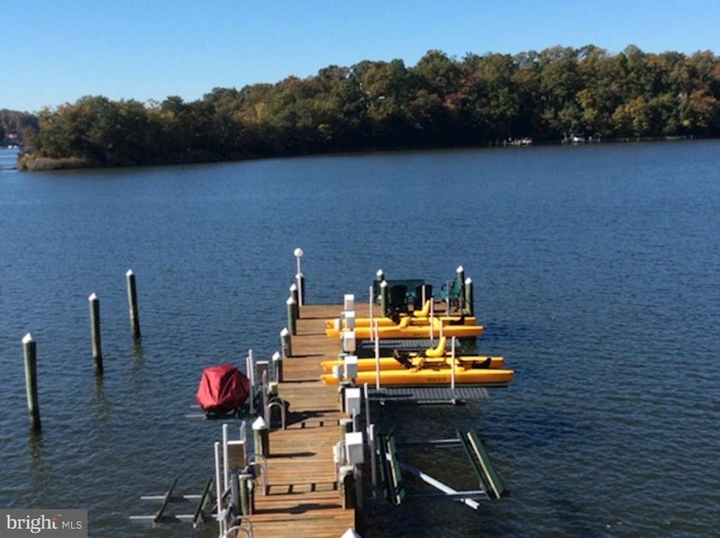 Private Dock & Multiple Slips - 2920 SOUTHWATER POINT DR, ANNAPOLIS