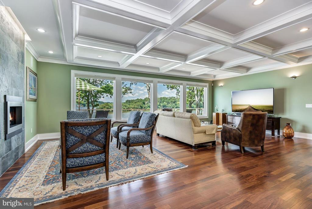 Expansive Waterside Living & Coffered Ceiling - 2920 SOUTHWATER POINT DR, ANNAPOLIS